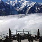 La terrasse panoramique du restaurant du Brévent et le mont Blanc