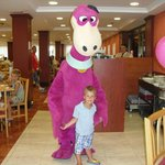 Dino feierte mit uns beim Abensessen den 4. Geburtstag unseres Sohnes. Kann man mit buchen vor O