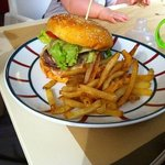 Victoria burger yum yum yum