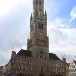 Вид с рыночной площади на ратушу