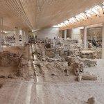 Раскопки в Акротири