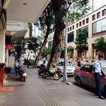 Lokasi strategis, kamar bersih, interior bagus, dekat mesjid dan restorant Melayu