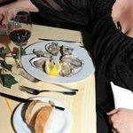 des huitres...AVEC LES PERLES (c'est moi) ...comme en Bretagne, excellentes et super moelleuses