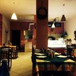 Saletta interna (volendo mangiare all'aperto, c'è un ampio terrazzo)