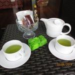 sweets n tea