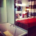 El baño y la habitación