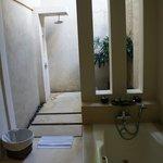 Salle de bain et douche de plein air
