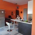 Teď je to jídelna, obývák, relaxační místnost, společenská místnost, kuchyně, kancelář