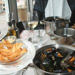 delicious chips & 1 kg mussels at Den Anker