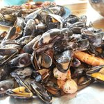 moules, grosses crevettes et noix de St Jacques, cuisinés à la crème, un délice