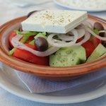 Den underbara grekiska salladen