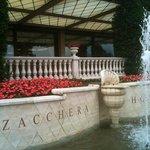 Fontaines, fleurs et couleurs....