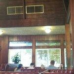 内装はコアの材木だそうです。
