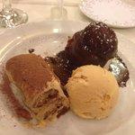 Sobremesa/Postre/Dessert: Tres pecados. Tiramisù, ice cream & profiterole.