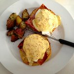 Wonderful Eggs Benedict