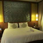 Gigantic King Bed in Standard Villa