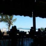 Otra del restaurante y la vista