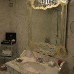 La salle de bains, décoration typiquement Venitienne