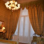 Lustre de notre chambre, en verre de Murano