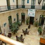 hall hotel avec entree des chambres