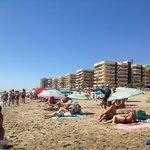 Una playa preciosa solo a 2 minutos del hotel