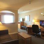 Executive King Jr. Suite- Work desk, 2 Televisions. Minifridge, microwave