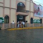 palacio de gobierno,tenian evento pero empezo a llover