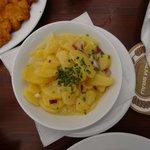 Potato salad (warm)