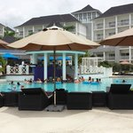 Swim up pool bar, very busy at all times