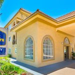 The Best Western San Diego Miramar welcomes you!