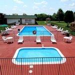 Adult and kiddie pool