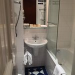 Deluxe room (Bathroom)