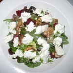 Beet & Spinach Salad with Goat Cheese