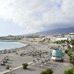 Playa Torviscas y al fondo playa Fañabe