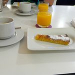 Colazione con torta Santiago