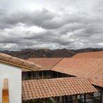 Vistas de los tejados del hotel, tejas si.