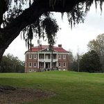Drayton Hall from the end of the driveway.