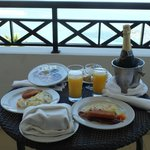 Champagne breakfast on the balcony (presidential suite)
