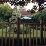 Lovely garden and decking area for drinks