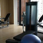 新的Executive tower健身房器材不多