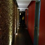 Trendiger Korridor zu den Zimmern