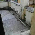 Вид из окна на террасу