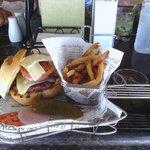 moulin rouge burger