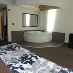 Room with jacuzzi, very spacious and clean