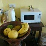 Obstteller im Zimmer