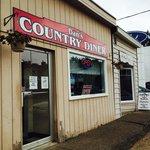 Dan's Country Diner Exterior