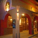 Khuska Resto Bar