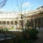Patio interior del Petit Palais.