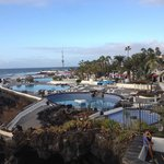 Stupendo piscina con acqua di mare struttura bellissima e anche per il prezzo e assolutamente da