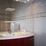Americas Suite bathroom